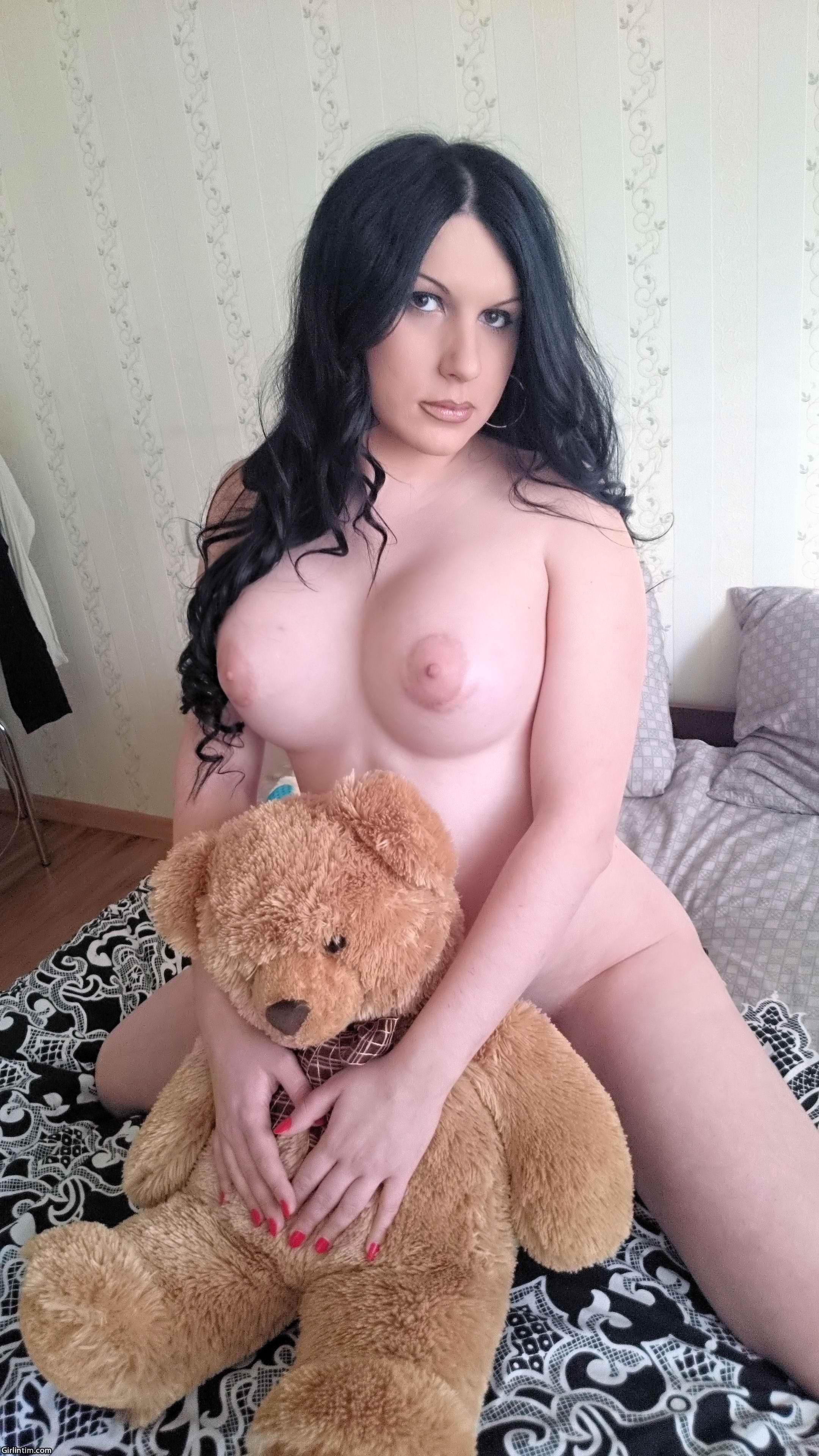 konchayut-v-rot-gruppa-porno